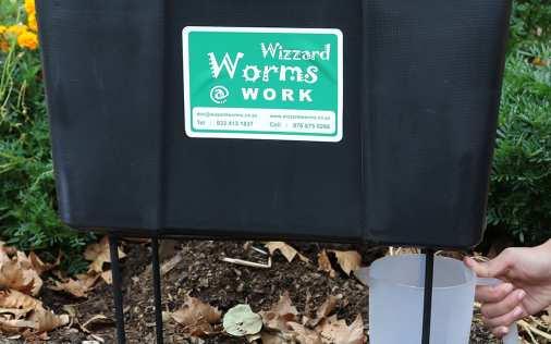 Wizzard Worms - Wiz Worm Farm - a complete compact Wormery